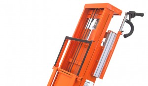 przewóz okien i drzwi elektrycznym schodołazem towarowym polska dystrybucja (7)